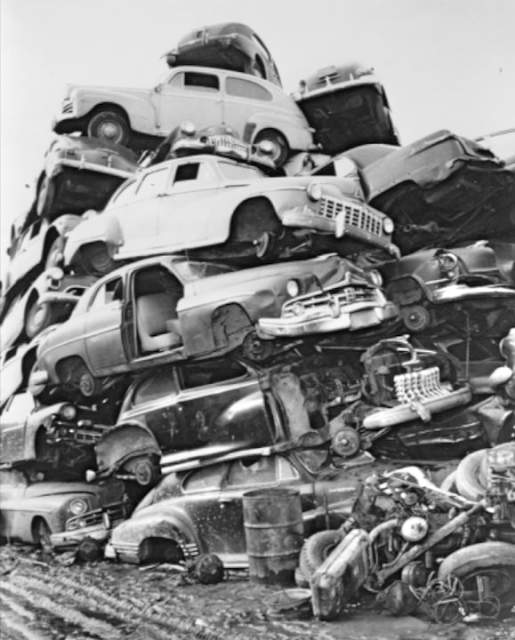 Vintage+&+Classic+Car+Salvage+Yards+and+Wrecks+(17).png (515×640)